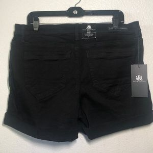 ROCK $ REPUBLIC BLACK SHORTS MISSES PLUS 16 NEW